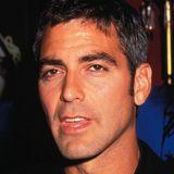"""1997: George Clooney   Der wohl schärfste Arzt der TV-Geschichte tauscht seinen blauen """"Emergency Room""""-Kittel gegen den schwarzen """"Batman""""-Latexanzug und wird dafür mit dem Titel """"Sexiest Man Alive"""" belohnt."""