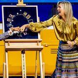 """23. November 2020  Für den Preisträger des diesjährigen """"Prins Bernhard Cultuurfonds Prijs"""" gibt es von Königin Máxima statt eines Händedrucks einen königlichen Faustgruß."""