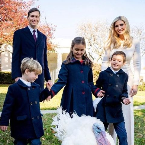 Jared Kushner, Theodore James, Arabella Rose, Joseph Frederick und Ivanka Trump.