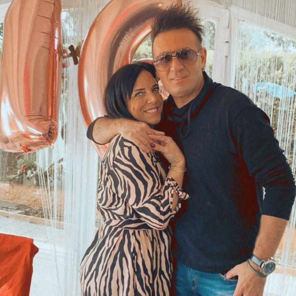24. November 2020  Familienzusammenführung auf Mallorca:Erst eine Woche ist es her, dass Danni Büchner undEnnesto Monté ihre Beziehung öffentlich gemacht haben. Nun besucht Ennesto seine Liebste zu Hause auf der Insel und unterstützt sie bei der Partyplanung für den 16. Geburtstag ihrer Tochter Jada.