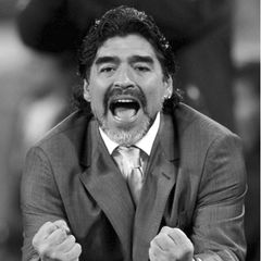 """25. November 2020: Diego Maradona (60 Jahre)  Weltweit trauern Fans umFußballlegende Diego Maradona. Seinen Tod hat der argentinische Fußballverband AFA auf Twitter bestätigt. """"Der argentinische Fußballverband drückt durch seinen Präsidenten Claudio Tapia seine tiefste Trauer über den Tod unserer Legende Diego Armando Maradona aus. Du wirst immer in unseren Herzen sein""""."""