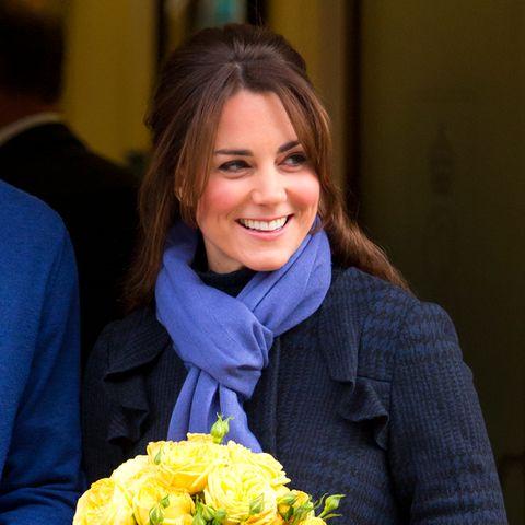 Herzogin Catherine verlässt am 6. Dezember 2012 das King Edward VII Hospitalin London. Es ist das erste Mal, dass sie sich nach der Baby-News in der Öffentlichkeit zeigt.