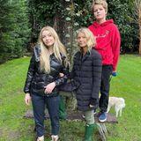 Für Gwyneth Paltrow liegen an Thanksgiving Freud und Leid nah beieinander. Mit ihren Kindern Apple und Moses besucht sie die Grabstätte ihres Vaters, der heute seinen Geburtstag gefeiert hätte.