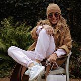 In diesem gemütlichen Look läutet Victoria Swarovski das Wochenende ein - bei uns sieht der Jogging-Look nur nicht mal halb so stylisch aus wie bei ihr.