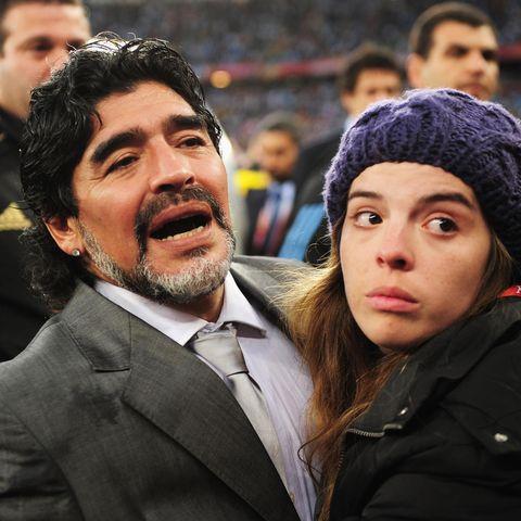 Diego Maradona und seine Tochter Dalma Maradona bei der Fußball-Weltmeisterschaft 2010.