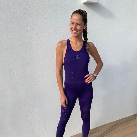 """""""Ein Tag für Einteiler"""" schreibt Ana Ivanovic unter ihr neustes Posting, das sie in einem coolenSport-Suit von Adidas zeigt. Darin macht sie auch eine hervorragende Figur!"""