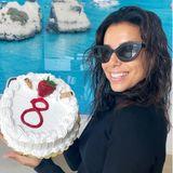 26. November 2020  Herzlichen Glückwunsch, Eva Longoria! Sie hat auf Instagram die Marke von 8 Mio. Followern geknackt, und das wird mit seiner süßen Torte gefeiert.