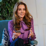 Herzogin Catherine in einer lilafarbenen Bluse von Gucci
