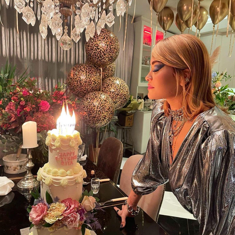26. November 2020  Eine nicht ganz so Corona-konforme Geburtstagsparty hat Rita Ora gefeiert. Die Einsicht und eine Entschuldigung der Sängerin folgen.