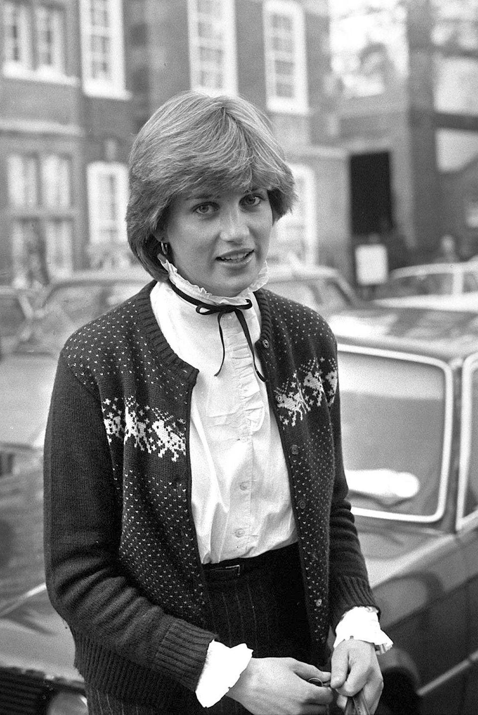 Diana Spencer, die spätere Prinzessin von Wales, 1980 beim Verlassen ihrerWohnung im Londoner Nobelviertel Knightsbridge.