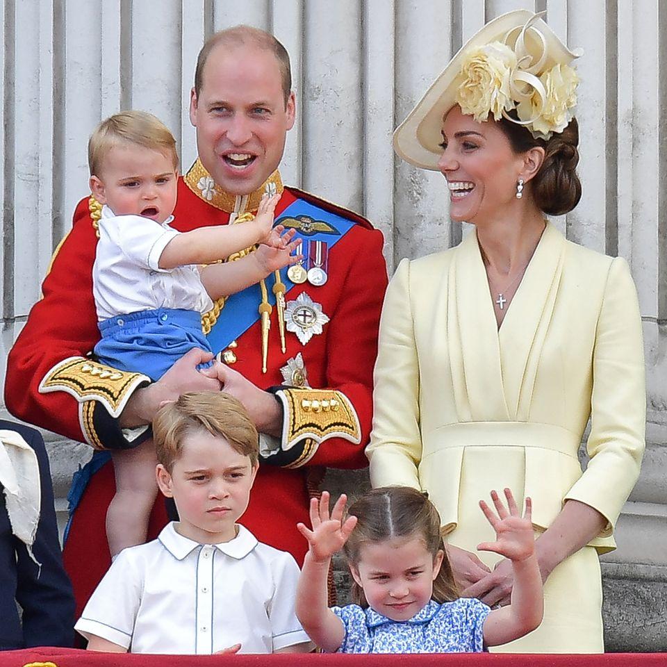 Prinz William und Herzogin Catherine mit Prinz Louis, Prinz George und Prinzessin Charlotte