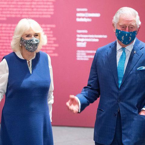 2. Dezember 2020  Herzogin Camilla und Prinz Charles haben allen Grund zur Freude: Denn das royale Paar darf sich - wie auch alle anderen Bewohner Englands - über ein verfrühtes Weihnachtsgeschenk freuen.