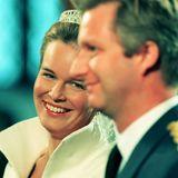 Schon Mathildes freudiges Lächeln vor dem Altar zeigt, dass die Ehe mit Philippe von Belgien eine glückliche werden würde.