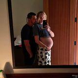 5. Dezember 2020  Oh, wie schön! Sophie Turner und Joe Jonas haben ihre Follower mit einigen Erinnerungsfotos erfreut, darunter auch dieses noch nicht bekannte Spiegel-Selfie mit Babybauch. Töchterchen Willa kam am 22. Juli zur Welt.