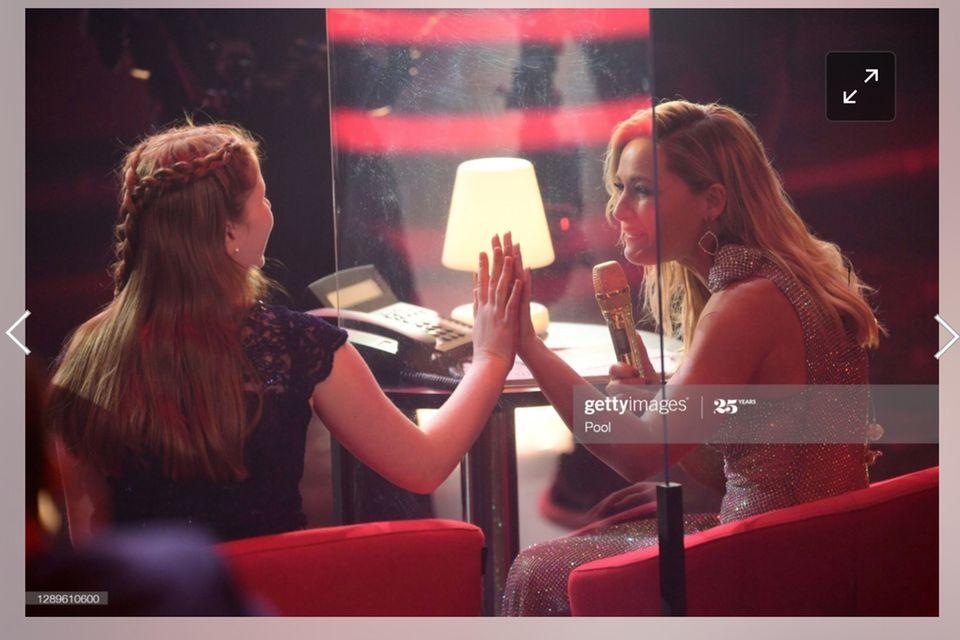 """Helene Fischer trifft die leukämiekranke Sontje, die sie bereits vor einigen Jahrenbei """"Ein Herz für Kinder"""" kennengelernthat."""