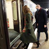 """Für die knapp 2000 Kilometer lange Dankestour stellt ihnen Queen Elizabeth den Hofzug """"Royal Train"""" zur Verfügung. Und los gehts!"""