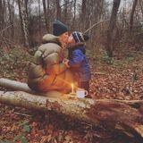 """Einen besinnlichen ersten Advent verbringt Monica Meier-Ivancan mit ihren Liebsten. Zu dem Bild auf Instagram schreibt sie: """"Einen wunderschönen 1. Advent und einen guten Start in eine glückliche, besinnliche und friedliche Adventszeit. Ich wünsche Euch eine Zeit voller Unbeschwertheit, Freude, Phantasie, Intuition, Kreativität, Lebenssinn und vor allem Liebe. Wir machen uns es zuhause richtig gemütlich und versuchen, so oft wie möglich raus an die frische Luft zu gehen und uns mit der Natur zu verbinden. Bleibt gesund! Busserl Eure Moni""""."""