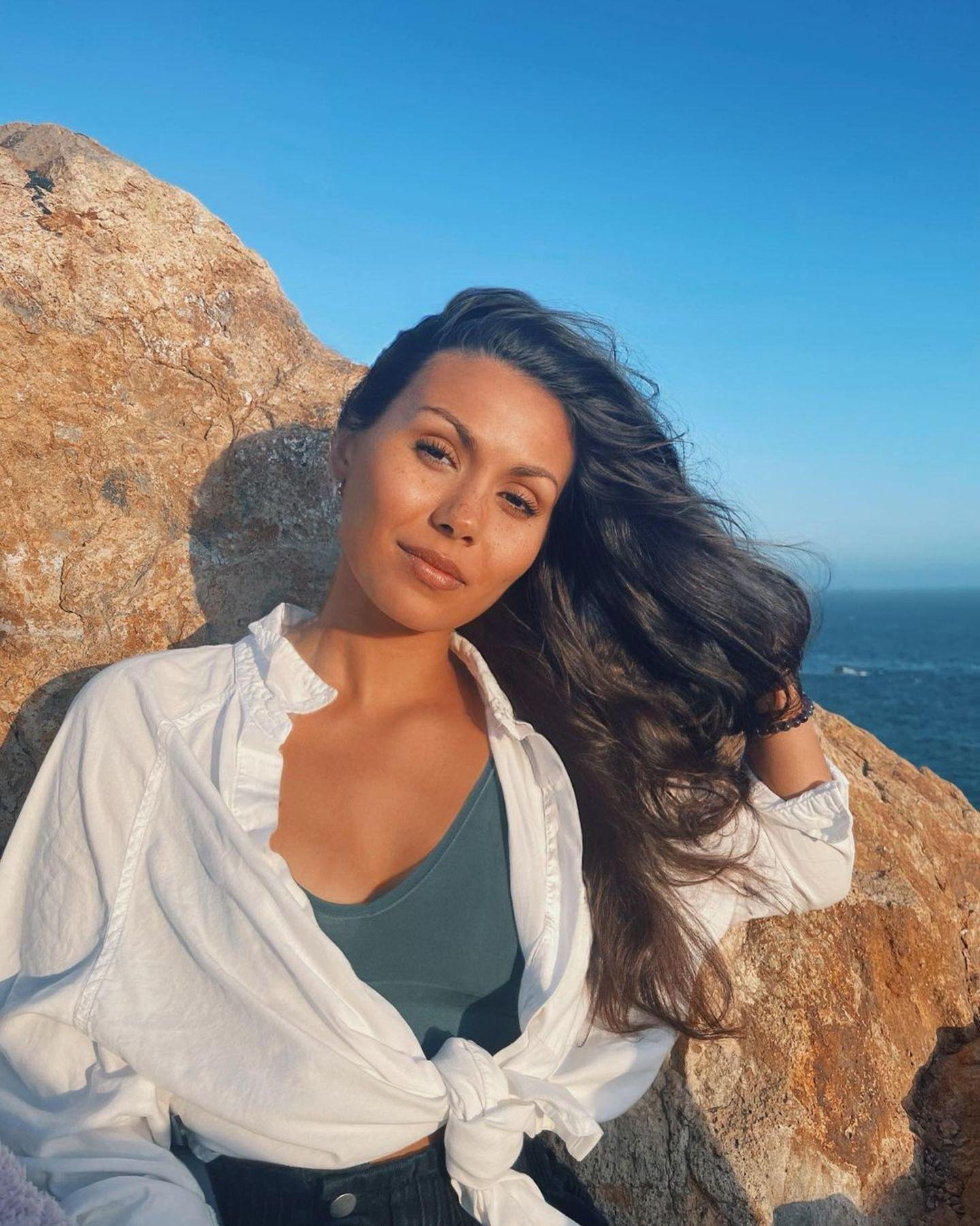 Heute ist die Tochter des Drehbuchautors Martin Olson eine wunderschöne junge Frau geworden! Sie arbeitet immer nochals Schauspielerin, Songwriterin und Synchronsprecherin und lebtmit Hund und Partner in Los Angeles.