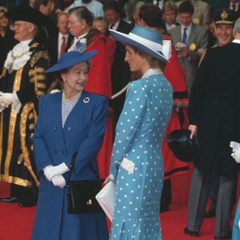 Queen Elizabeth un Prinzessin Diana