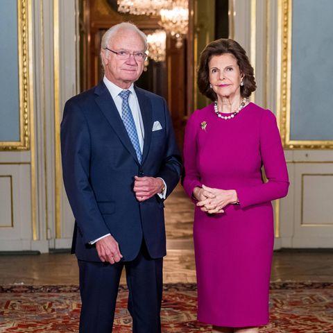 2020  Dieses Jahr ist alles anders: Von König Carl Gustaf und Königin Silvia wird es anlässlich der Nobelpreisverleihung 2020 wohl nur dieses offizielle Bild geben. Denn die Verleihung findet aufgrund der Pandemie ausschließlich digital statt. Aber blicken Sie hier mit uns zurück auf die Höhepunkte der letzten Jahre.