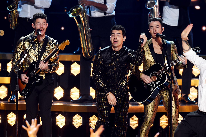 Mittlerweile füllt die Rock-Pop-Band rund um Nick Jonas, Joe Jonas und Kevin Jonas (v.l.) weltweit die größten Arenen und hat mehrere goldene Schallplatten.