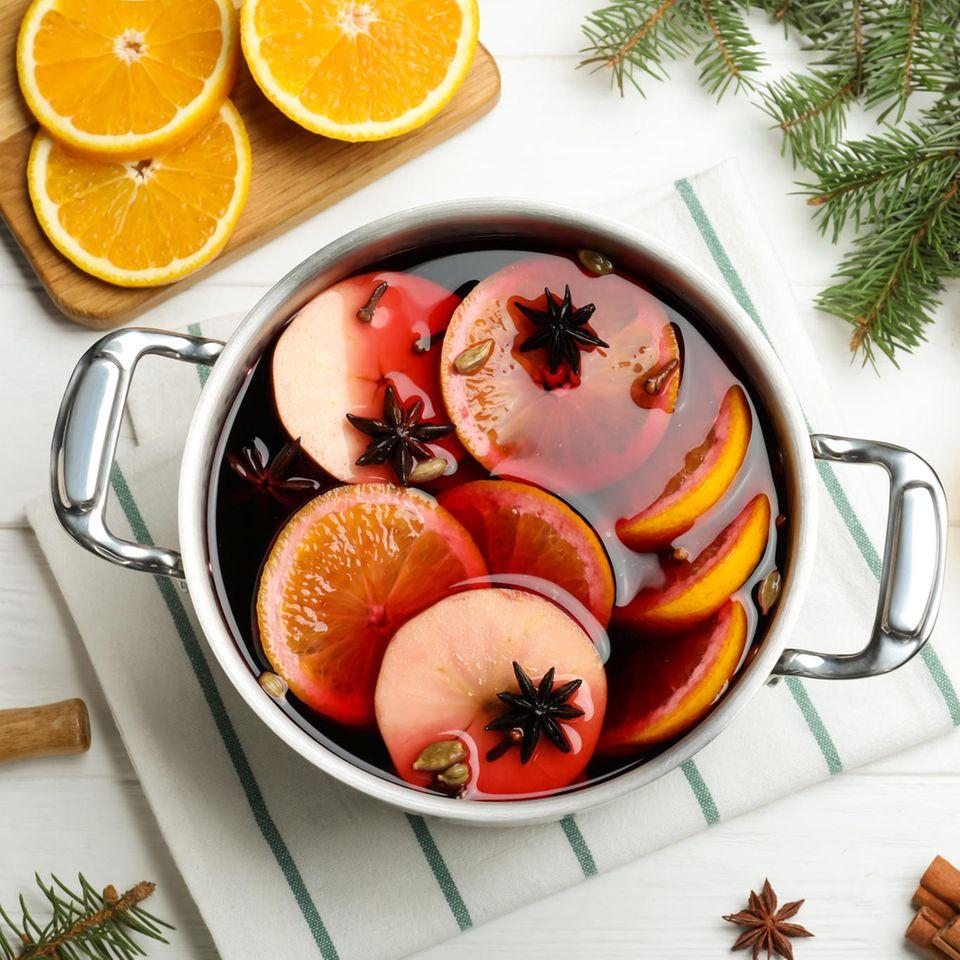 Das traditionelle Heißgetränk in der Weihnachtszeit: Glühwein
