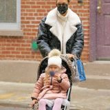 Wie die Mutter, so die Tochter: Modelmama Irina Shayk und Töchterchen Lea fahren im trendigen Leo-Buggy von ABC Design durch Manhattan.