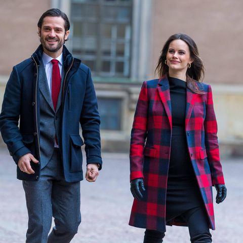 Denn ihr enges Kleid setzt den runden Bauch toll in Szene. Sofia und Carl Philip strahlen regelrecht. Was für glückliche, werdende Eltern!