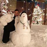 17. Dezember 2020  Endlich Schnee in New York - und zwar so viel, dass Irina Shayk in ihrem Garten einen Schneemann baut. Doch was wäre ein Topmodel, wenn es nicht jede Gelegenheit zum Posen nutzen würde. Daher kniet sich Irina hin und setzt ihren heißen Modelblick auf. Wenn da mal nicht der Schneemann anfängt zu schmelzen ...