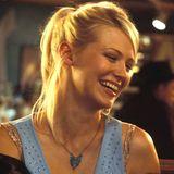 Amerikanerin Jeannie, gespielt von January Jones, lernt Collin in einer Bar in Milwaukee kennen, wo der Brite sie und ihre Freundinnen mit seinem britischen Akzent begeistert.