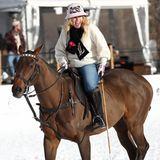 Rebel Wilson und ihr Freund Jacob Busch verbringen freie Tage in Aspen. Bestens gelaunt steht dabei auch ein Polospiel auf dem Programm.