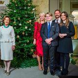 """Und auch das Königspaar Harald und Sonja darf natürlich zu diesem festlichen Anlass nicht fehlen. Die Bilder enstanden anlässlich der Aufzeichnung der TV-Adventssendung """"Adventsstund fra Slottskapellet"""" in Oslo."""