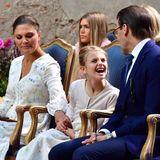 14. Juli 2020  Grimassen schneiden an Mamas Geburtstag? Das kann Prinzessin Estelle sehr gut! Während einesy Konzerts anlässlich des Victoriatags auf Öland hat die Kleine ganz schön viel Spaß mit Papa Prinz Daniel.