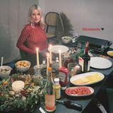 Beim Thema Raclette zu Weihnachten scheiden sich die Geister, für viele ist es auch ein klassisches Silvester-Essen. Dustin Schöne und Lena Gercke sind auf jeden Fall Team Raclette.
