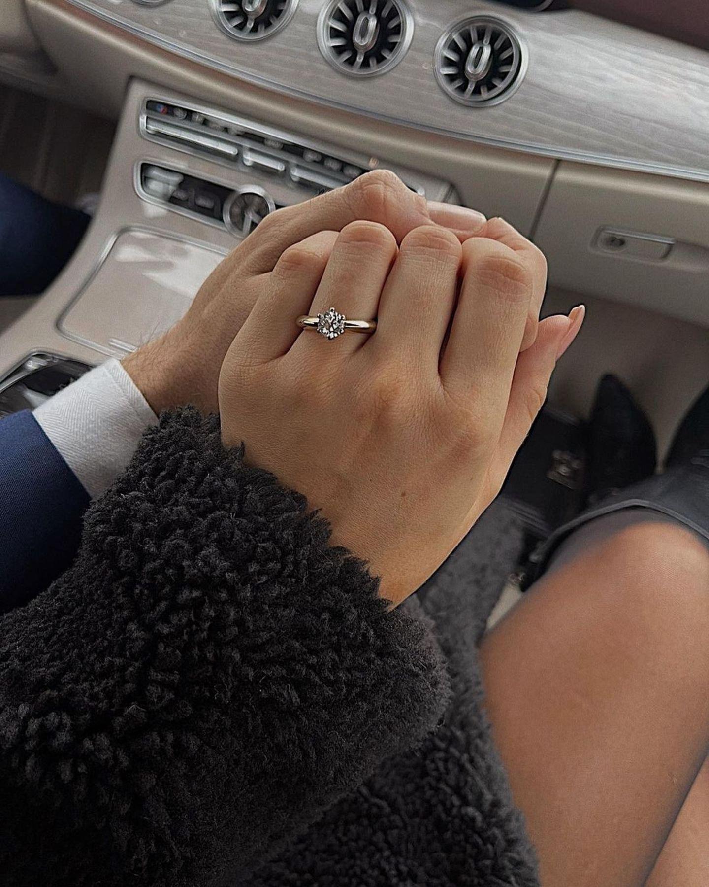 Das schönste Geschenk trägt Jessica Paszka jetzt an ihrem Ringfinger: Johannes Haller hat ihr am Heiligabend einen Antrag gemacht.