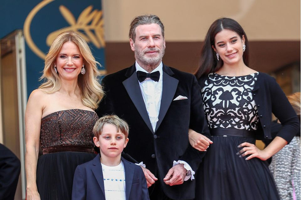 Kelly Preston und John Travolta mit Tochter Ella Bleu und SohnBenjamin 2008in Cannes