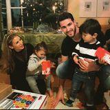 Sila Sahin und Samuel Radlinger besuchen mit den Kindern Noah undElija an Weihnachten Samuels Oma Martha und teilen ein schönes Familienfoto auf Instagram.