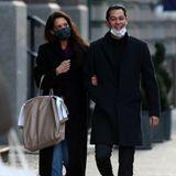 28. Dezember 2020  Arm in Arm und bester Laune machen Katie Holmes und Emilio Vitolo einen romantischen Spaziergang in Downtown Manhattan, nachdem sie Weihnachten zusammen in New York City verbracht haben.