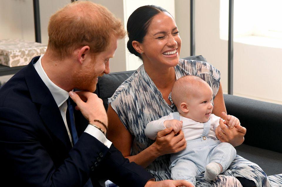Prinz Harry und Herzogin Meghan mit Sohn Archie bei einem Termin während ihrer Südafrika Tour 2019.