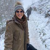 """""""Wer braucht schon die Schweiz?"""", fragt Liz Hurley ihre Instagram-Fans mit diesem verschneiten Wanderbild aus dem britischen Herefordshire. Die Schauspielerin macht trotz fehlendem """"Skifahren, Fondue und Glühwein"""" eben das beste aus ihrer Urlaubszeit im Lockdown."""