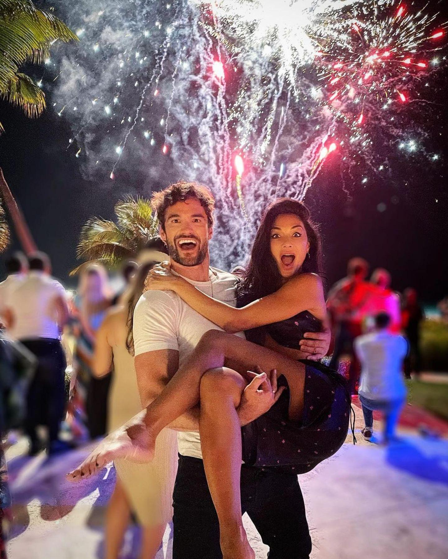 Bei Nicole Scherzinger und Thom Evans sieht es schon mehr nach eine großen Silvester-Party aus.