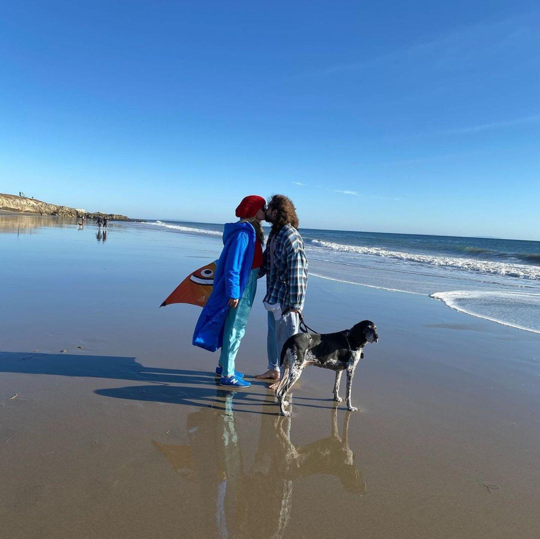 31. Dezember 2020  Bevor es ins neue Jahr geht,lüften sich Heidi Klum und Tom Kaulitz noch mal so richtig aus und verbringen den Tag am Meer.