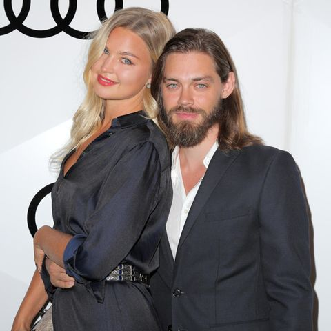 Jennifer Akerman und Tom Payne