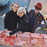 """Vegane Donuts  Was für ein grandioses Dankeschön! Emilia Schüle und ihre Kolleginnen Maria Ehrich und Sonja Gerhardt sorgen am Set der Serie """"Ku'damm 63"""" für ausreichend Proviant. Mit 80 veganen Donuts für die gesamte Crew herrscht dort sicherlich ein super Arbeitsklima."""