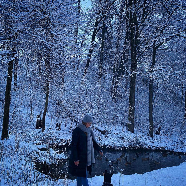 """Bei dem Anblick der schönen Schneelandschaft wird Sila Sahin poetisch: """"Die Schönheit der Natur kann man nicht kaufen. Sie gehört dem, der sie entdeckt, der sie begreift und der es versteht, sie zu genießen."""""""