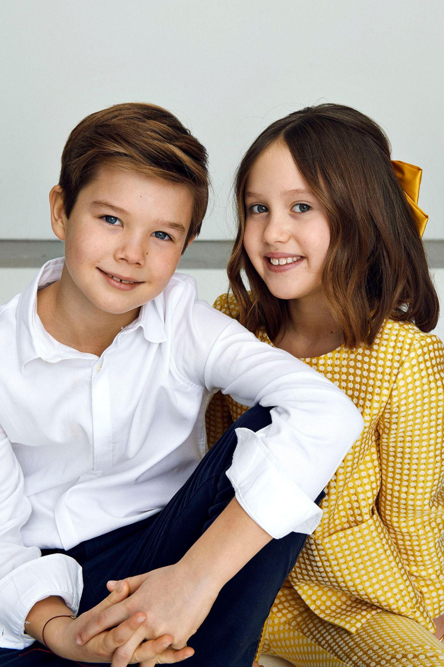 8. Januar 2021  Zum 10. Geburtstag der königlichen Zwillinge von Dänemark hat der Palast entzückende Bilder der beiden Kinder von Prinz Frederik und Prinzessin Mary veröffentlicht. Ganz bezaubernd lächeln Prinz Vincent und Prinzessin Josephine in die Kamera.