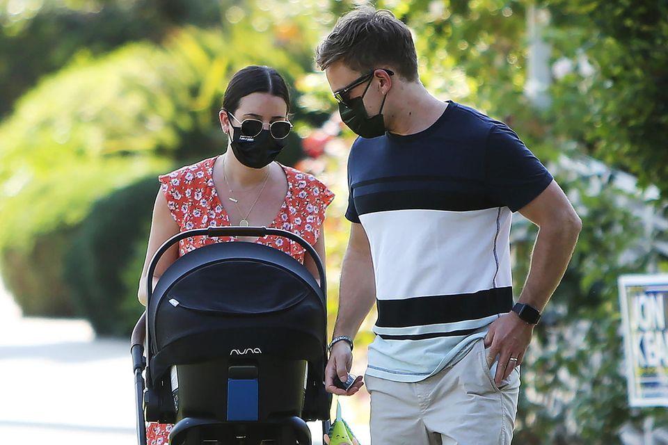 Lea Michele und Zandy Reich beim Spaziergang mit Söhnchen Ever Leo.