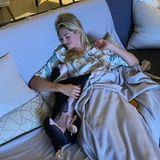 Ganz verliebt ist Kate Upton in ihren kleinen vierbeinigen Kuschel-Freund Norman.