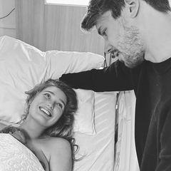 Romee und Laurens sind nicht nur seit 11 Jahren ein Paar, 2018 heirateten die beiden und im Dezember 2020 würde ihr Eheglück mit der Geburt ihrer Tochter Mint gekrönt.  Mit dieser süßen Erinnerung bedankt sich das Topmodel für seine Liebe und Unterstützung.