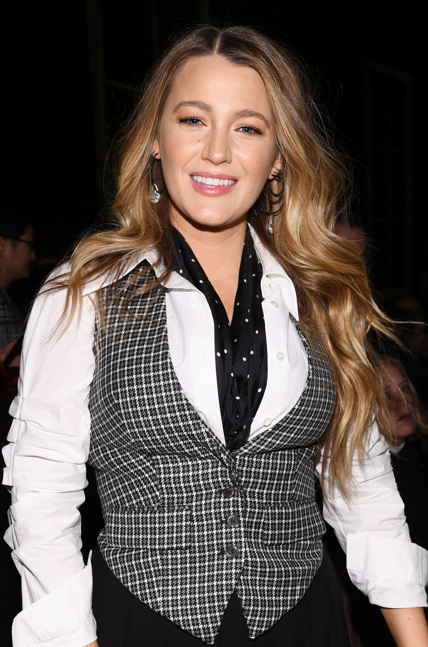 """Auch mit 33 Jahren sieht Blake Lively noch immer genauso aus, wie wir sie aus""""Gossip Girl"""" in Erinnerung haben. Das Einzige, was anders ist: Sie ist jetzt verheiratet und dreifache Mama."""